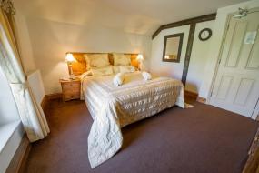 Double or Twin Room with Private Bathroom - Pet Friendly, The King William IV Country Inn & Restaurant