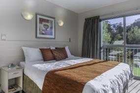 Luxury Studio, 166 Majestic Court Motel