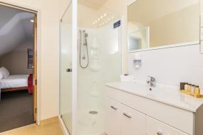 Three-Bedroom Suite, Twin Peaks Lakeside Inn