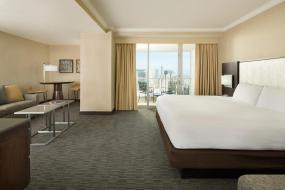 Полулюкс с 1 кроватью размера «king-size» и панорамным видом на город, Hilton San Francisco Union Square