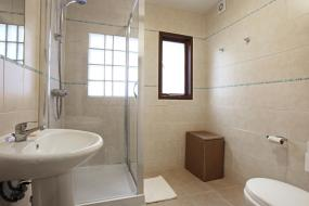 Family Room with Private Bathroom, St Athans Hotel