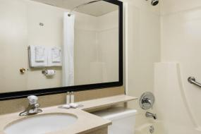 Queen Room - Non-Smoking, Travelodge by Wyndham Edmonton South