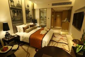Deluxe King Room, Pride Plaza Hotel, Aerocity New Delhi