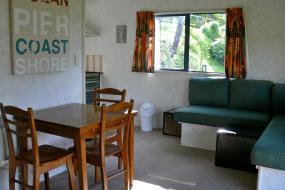 Family Room - Unit Kaitake 1, Oakura Beach Holiday Park