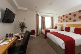 Triple Room, Park International Hotel