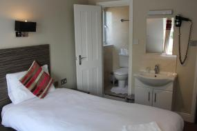 Triple Room, Sara Hotel