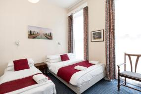 Triple Room with Private Bathroom, St Athans Hotel