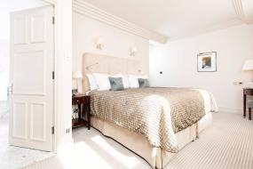 Deluxe King Room, The Stafford London