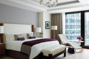 Люкс с 1 спальней, вид на реку, The Langham Chicago