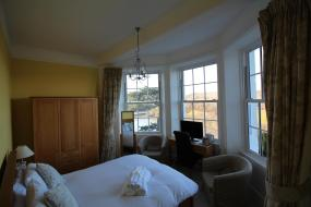 Deluxe Double Room with River View, Commonwood Manor