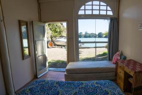 Budget Double Room, Maraehako Bay Retreat