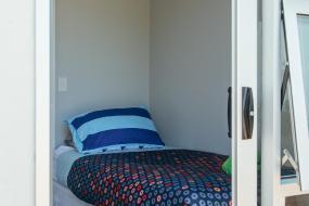 Economy Single Room, YHA Taupo Finlay Jack's Backpackers