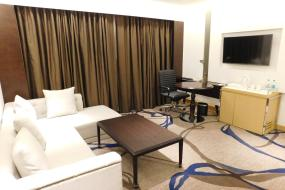 Deluxe King Suite, Pride Plaza Hotel, Aerocity New Delhi
