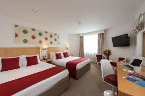 Quadruple Room, Park International Hotel