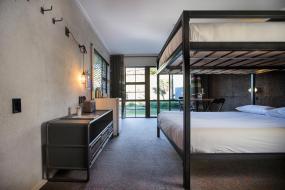 Lodge Queen Bunk Room, Sherwood