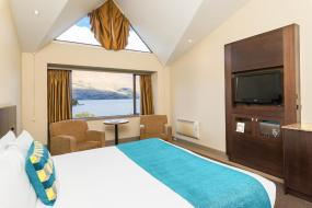 Superior King with Lake Views, Copthorne Hotel & Resort Lakefront Queenstown