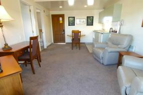 One-Bedroom Apartment with Spa Bath, Country Glen Lodge