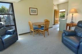 One-Bedroom Apartment, Country Glen Lodge