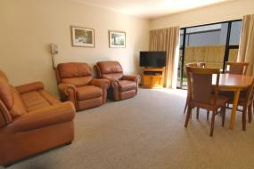 Two-Bedroom Apartment, Country Glen Lodge