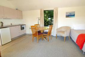 Executive One-Bedroom Apartment, Country Glen Lodge