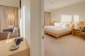 One-Bedroom King Suite, Hilton Northampton Hotel