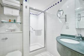 Queen Room, Hilton Garden Inn Birmingham Brindley Place