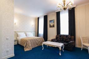 Люкс с кроватью размера «king-size», Голден Плаза