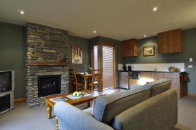 One-Bedroom Apartment, Lansdown Peaks Apartment