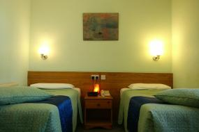 Standard Twin Room with Ensuite Bathroom, River Hotel
