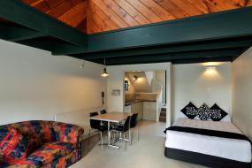 Twin Studio with spa pool, Wylie Court Motor Lodge