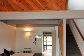 Family Apartment with Plunge Pool, Wylie Court Motor Lodge
