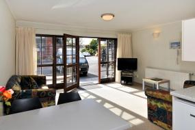 Two-Bedroom Apartment, Wylie Court Motor Lodge