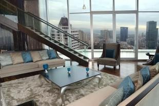 Wyndham Grand Istanbul Levent Люкс в мансарде
