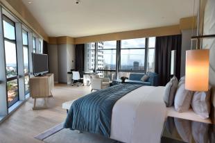 Wyndham Grand Istanbul Levent Угловой люкс, право посещения представительского лаунджа