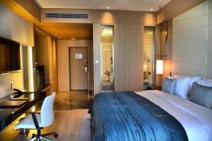 Wyndham Grand Istanbul Levent Представительский номер с частичным видом на море и правом посещения представительского лаунджа