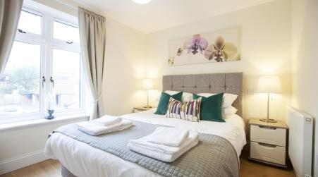Urban Living's - The Mary Luxury Apartment, Windsor