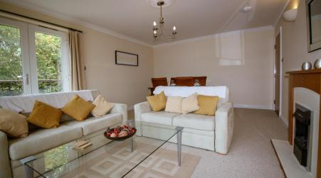 Turnberry Apartments, Turnberry