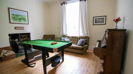 4 Bedroom central Hebden Bridge house sleeps 8, Hebden Bridge
