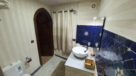 Riad Gharnata, Шавен