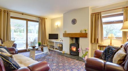 Holiday Home White, New Radnor