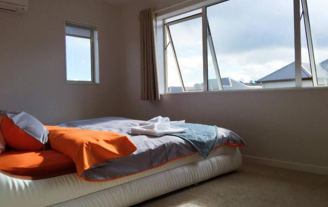 A Comfortable 5-Bedrooms House, Auckland