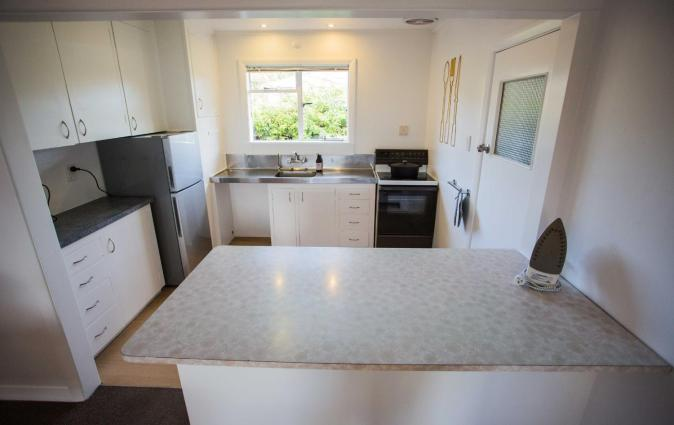 1 - Delightfully fresh, private home close to town, Wanaka
