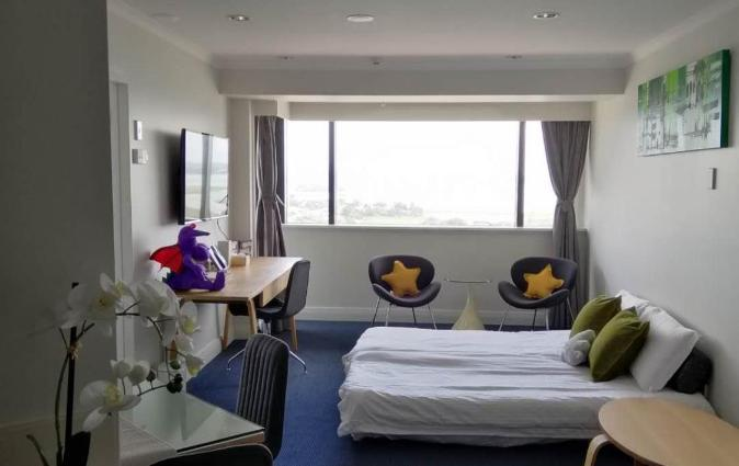 Picture Perfect Hotel Living, Auckland