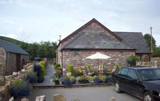 Beautiful Holiday home in Maescar South Wales overlooking Usk valley, Sennybridge
